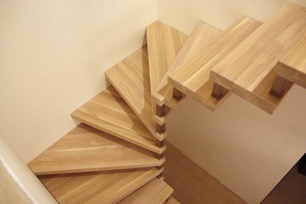 Ażurowe schody